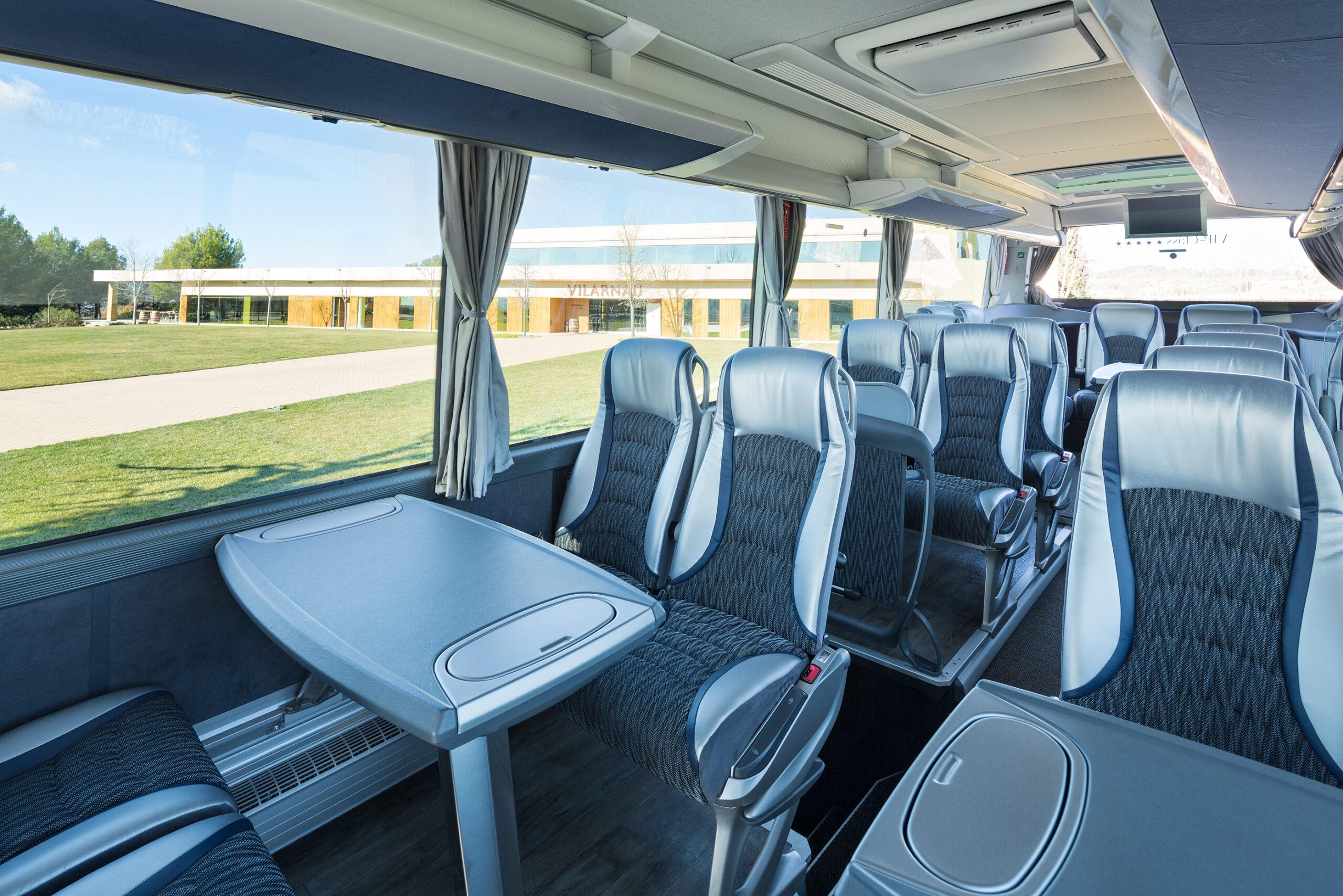 Bus-Interior-Salo2