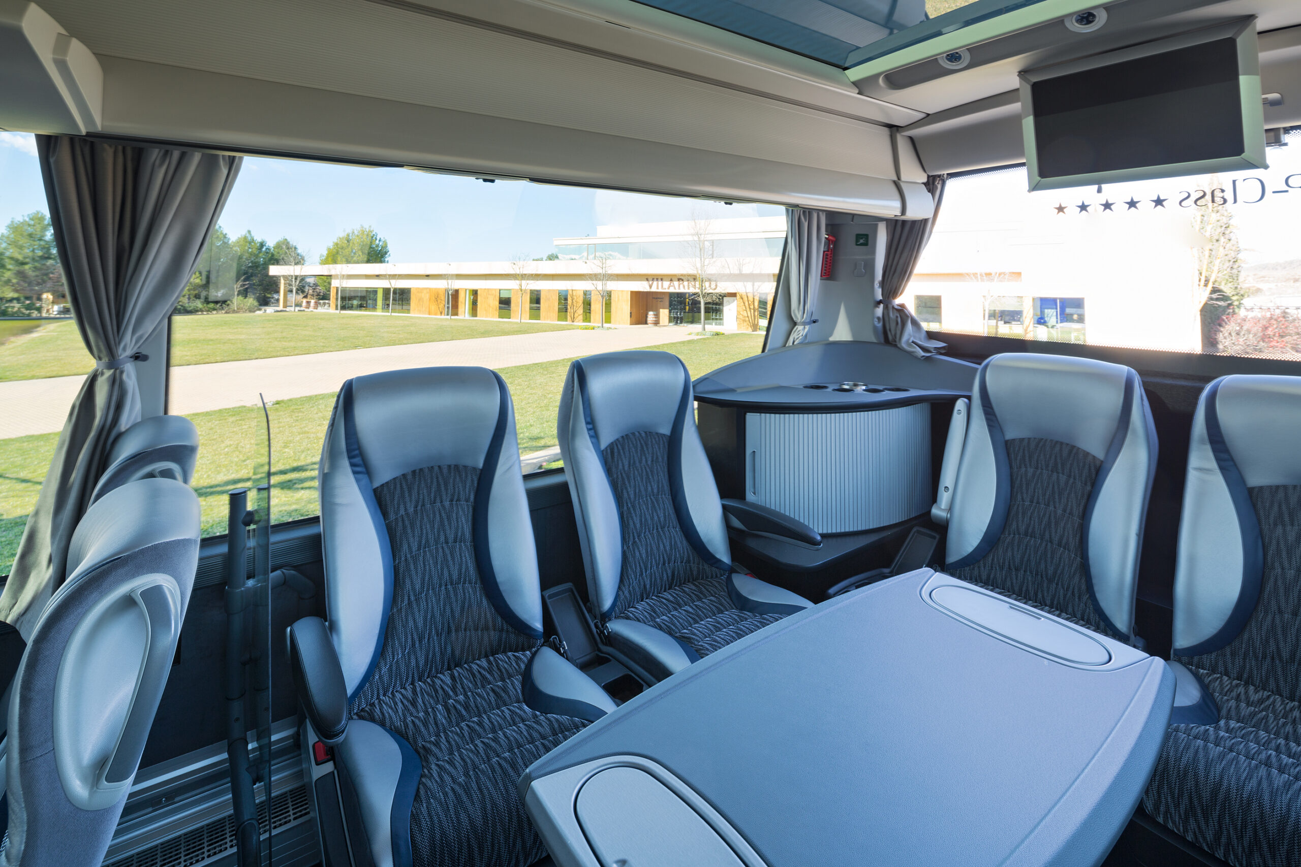 Bus-Interior-Salo4