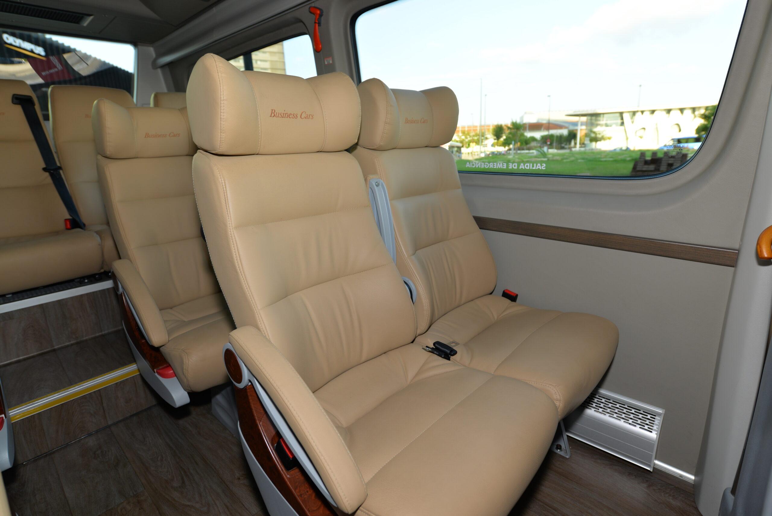 Microbus10pax-Interior