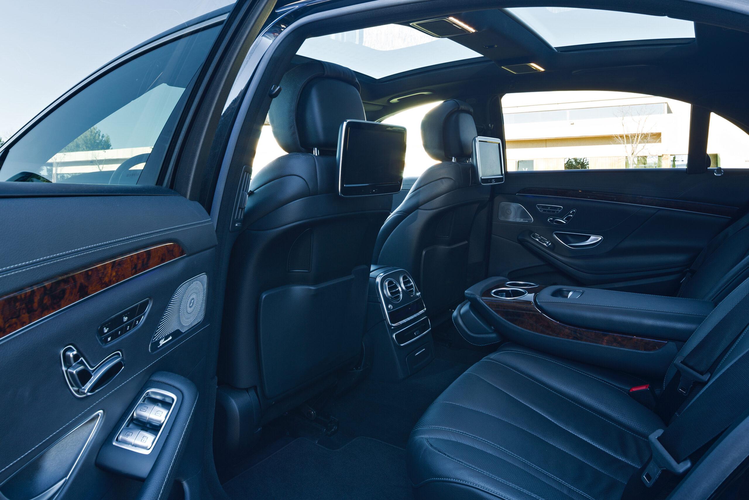 VehiclePrivat-Interior1